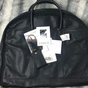 NWT COACH LEATHER FOLD OVER SUITER W/LOCK & TAG